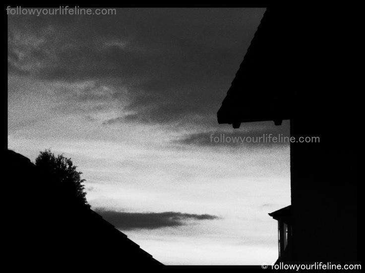 Sonnenuntergang schwarz weiß